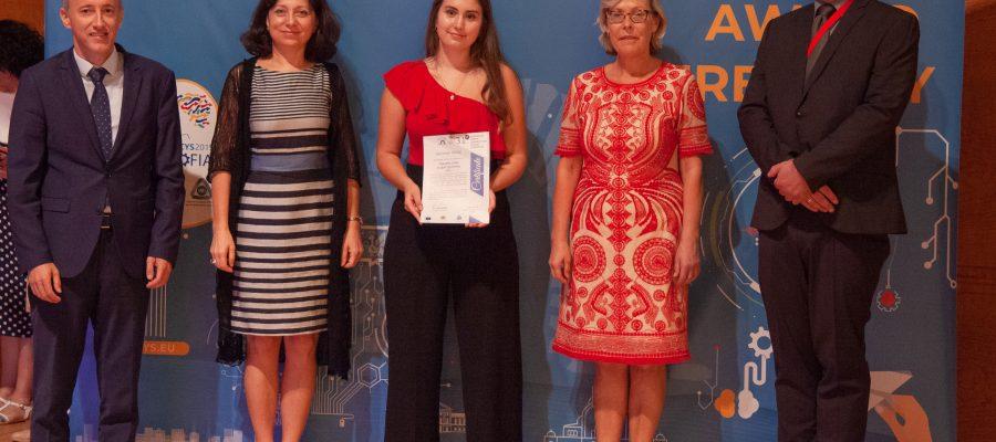 Clàudia Pubill, és la 1a estudiant lleidatana guardonada pel seu Treball de Recerca en el Certamen Europeu de Joves Investigadors EUCYS 2019.