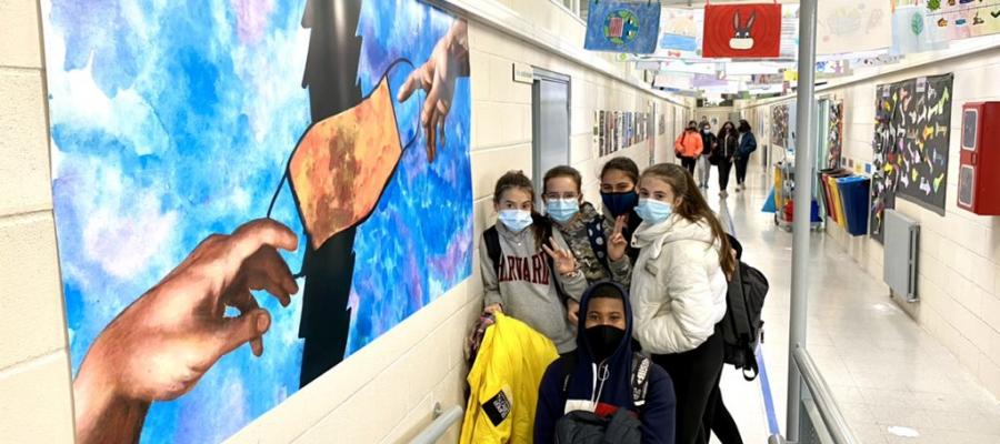 La Marató impregna els passadissos de l'institut amb el concurs de cartells