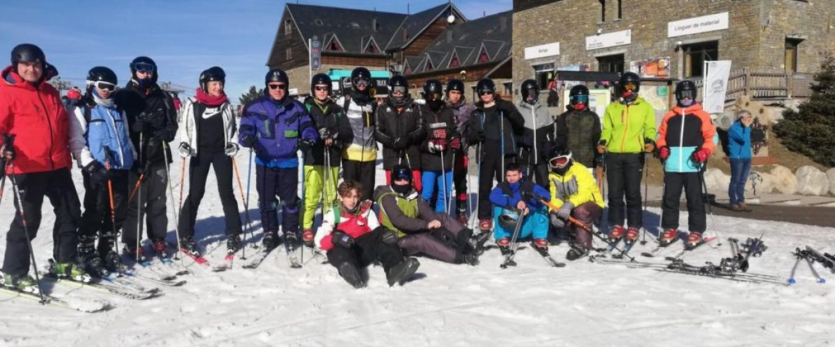 L'alumnat de cicles formatius d'esquiada a Port Ainé
