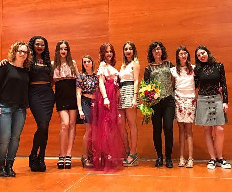 Desfilada de moda de l'alumnat del CFGM de Confecció  i Moda a l'Auditori Municipal Enric Granados