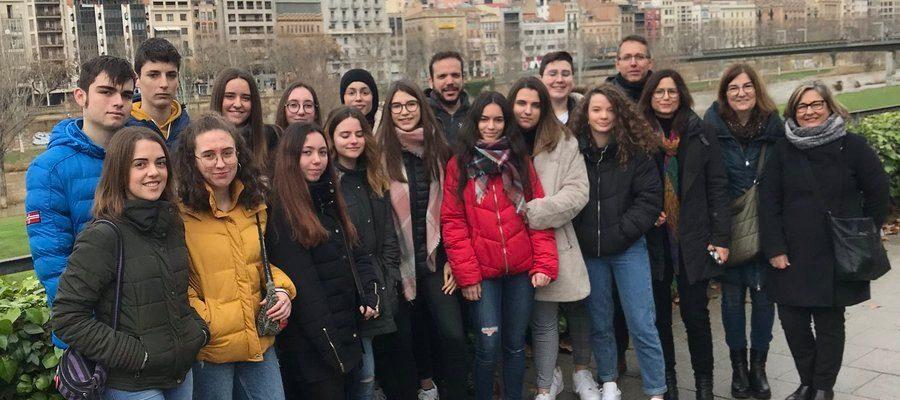 Alumnat de Guindàvols recorda als deportats