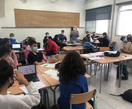 L'institut Guindàvols participa en el projecte d'innovació pedagògica  Recerca, Creació i Servei del Departament d'Educació