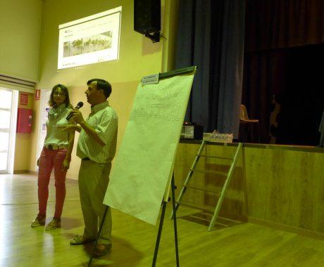 Presentació d'experiències educatives a l'Escola d'Estiu: Hort Vertical