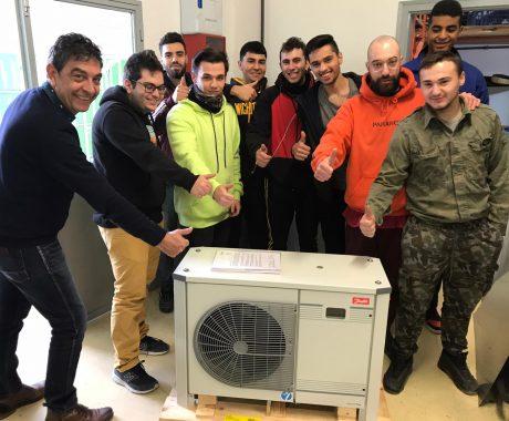 Danfoss cedeix un equip de refrigeració d'última generació per a les pràctiques de refrigeració