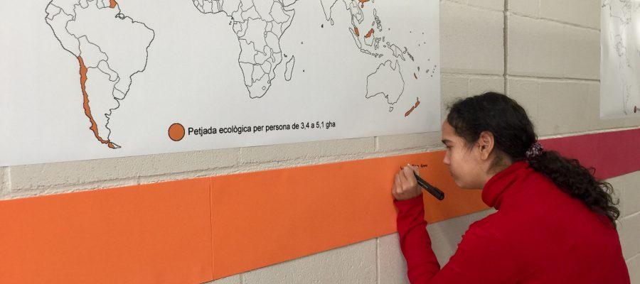 Setmana de la Ciència: gaudint de la curiositat de conèixer la nostra petjada ecològica.